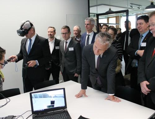 NRW-Wirtschaftsminister Pinkwart gibt Startschuss für Coworking-Projekt